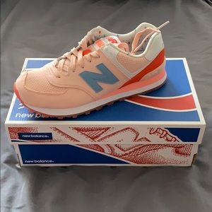 Brand new new balance women's sneakers size 7 1/2